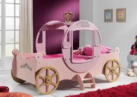 Chambre Petite Fille Princesse by Lit Enfant Carrosse Coloris Rose Royal Princesse Lit Voiture