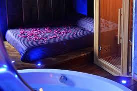 nuit d hotel avec dans la chambre chambre avec privatif pour une nuit d amour magique