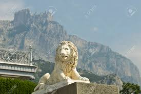 marble lion this marble lion sculpture is situated in vorontsov palace