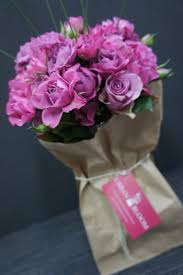 weekly flower delivery hot bloom floral delivery service bne hot or not
