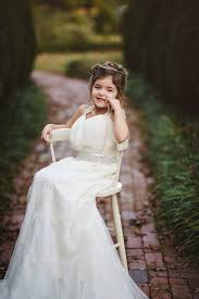 4 year old wears late mom u0027s wedding dress in photoshoot people com
