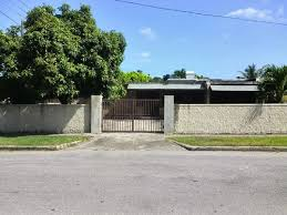 3 bedroom 2 bathroom facility for rent in kingston 6 jamaica