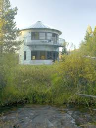 inexpensive houses to build grain silos house 11 article here http www idesignarch com