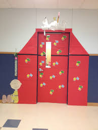 brown christmas snoopy dog house snoopy dog house door i made for my classroom my projects