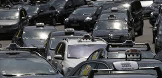 bureau des taxis fiabilité les taxis notent leur voiture et couronnent toyota