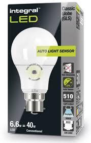 led light bulb with dusk to dawn sensor dusk to dawn bulbs daylight sensor l led 40 60w equivalent cool