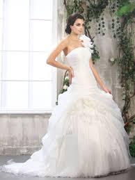 beautiful amazing beach wedding dresses for 2013 wedding party