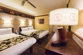 chambre disneyland disney s hotel cheyenne disneyland