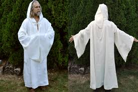 druidic robes druid robe white3 jpg 1417 943 draping robe