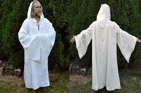 druidic robes druid robe white3 jpg 1417 943 draping robe