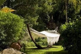 20 backyards with relaxing hammock swing designs