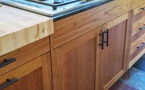 craftsman kitchen cabinets bellingham kitchen cabinets classic our cabinet designers and manufactures take the time to listen and create and install top quality classic kitchen cabinetry that makes any new kitchen