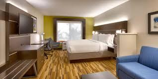 Westside Furniture Glendale Az by Holiday Inn Express U0026 Suites El Paso I 10 East Hotel By Ihg