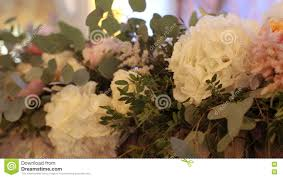 beautiful wedding decorations to wedding beautiful flowers are on