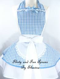 dorothy wizard of oz halloween costumes wizard of oz dorothy costume apron