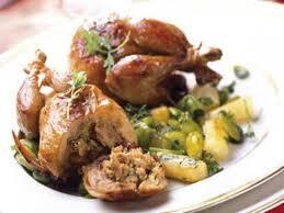 comment cuisiner des cailles au four cailles farcies au foie gras recettes femme actuelle