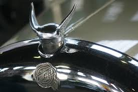 17 gorgeous ornaments that defined these classic cars