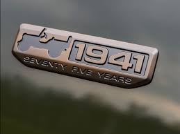 kaiser jeep logo jeep is turning 75 u2014 here u0027s the history of the vehicle that helped