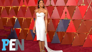 Red Carpet Entertainment Moonlight U0027s Naomie Harris Takes Oscars Red Carpet Risk With Short