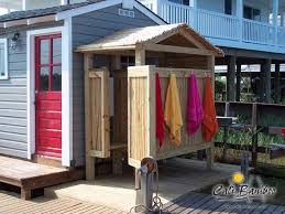 Outdoor Pool Shower Ideas - best 25 outdoor shower enclosure ideas on pinterest outdoor