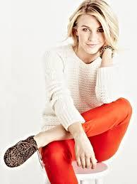 how does julienne hough style her hair i love julianne hough s new dolled down style i also want her