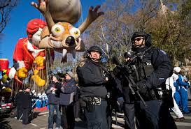 macy s thanksgiving day parade makes its way through manhattan