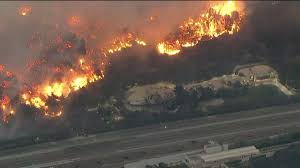 Six Flags Magic Mountain Fire Wildfires Close 405 Freeway In Southern California Thousands Of