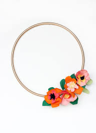 How To Make A Spring Wreath by 10 Modern Spring Wreaths Tauni Co