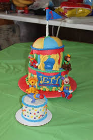 first birthday circus circus themed first birthday cake cakecentral com