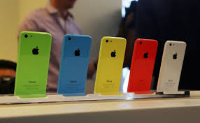 apple si e social nokia si burla di apple e di iphone 5c 8gb