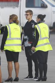 justin bieber all around the world rtl justin bieber lands at luton airport ahead of london concert daily