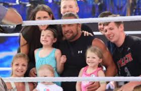How Much Can Triple H Bench Press Who Is Triple H Quora