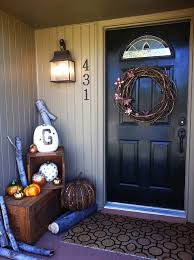 How To Decorate Your House For Fall - 85 pretty autumn porch décor ideas digsdigs