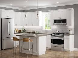 what color compliments gray cabinets choosing the right paint color that compliments your kitchen