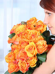How To Grow A Bulb In A Vase Keeping Cut Flowers Fresh At Womansday Com Make Flower Last Longer