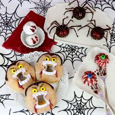 halloween cupcake stands pull apart ghost cupcake cake lindsay ann bakes