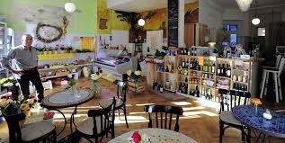 cafe wohnzimmer café gerät in die behördenmühlen freiburg badische zeitung