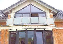 windschutz balkon plexiglas sichere geländer aus glas für balkon und dachterrasse dachgarten