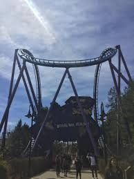 Bizarro Six Flags Great Adventure Six Flags Great Adventure 4 10 17 Theme Park Trip Reports