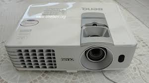 benq w1070 1080p 3d home theater projector white benq w1070 dlp full hd 3d ready with lens shift for 1000 avs