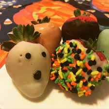 Halloween Appetizers Easy by Halloween Inspired Chocolate Covered Strawberries An Easy Last