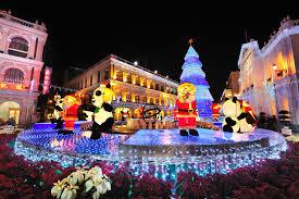 large christmas fourteen best small town christmas light celebrations