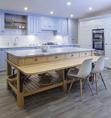 Kitchen Furniture Uk by The Warm And Inviting Design For Freestanding Kitchen