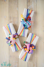 gift wrapping ribbon 1074 best gift wrap ideas images on wrapping gifts