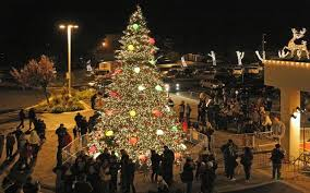 vacaville tree lighting 2017 the weekender solano county