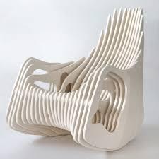 designer schaukelstuhl designer schaukelstuhl holz kurvigen formen eduardo baroni