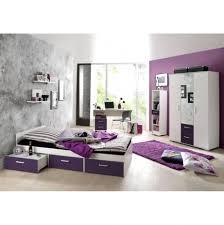 Wohnzimmer Ideen In Lila Wohndesign Tolles Moderne Dekoration Gruen Tuerkis Streichen