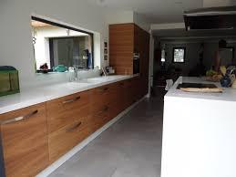 cuisine blanc et noyer agencement intérieur meuble sur mesure près de biarritz 64