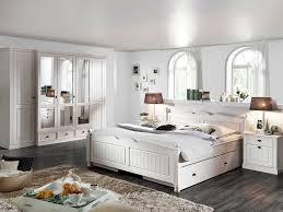 Bilder Schlafzimmer Landhausstil Schlafzimmer Landhausstil Deko Ruhbaz Com