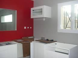 cuisine noir et rouge couleur mur cuisine avec meuble blanc 13 messages